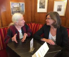 Frigga Haug mit Birgit Buchinger im Gespräch